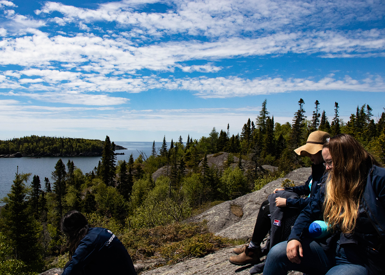 Stopping for a picnic after an educational hike at Pukaskwa National Park. (Photo: Connor Garrod)