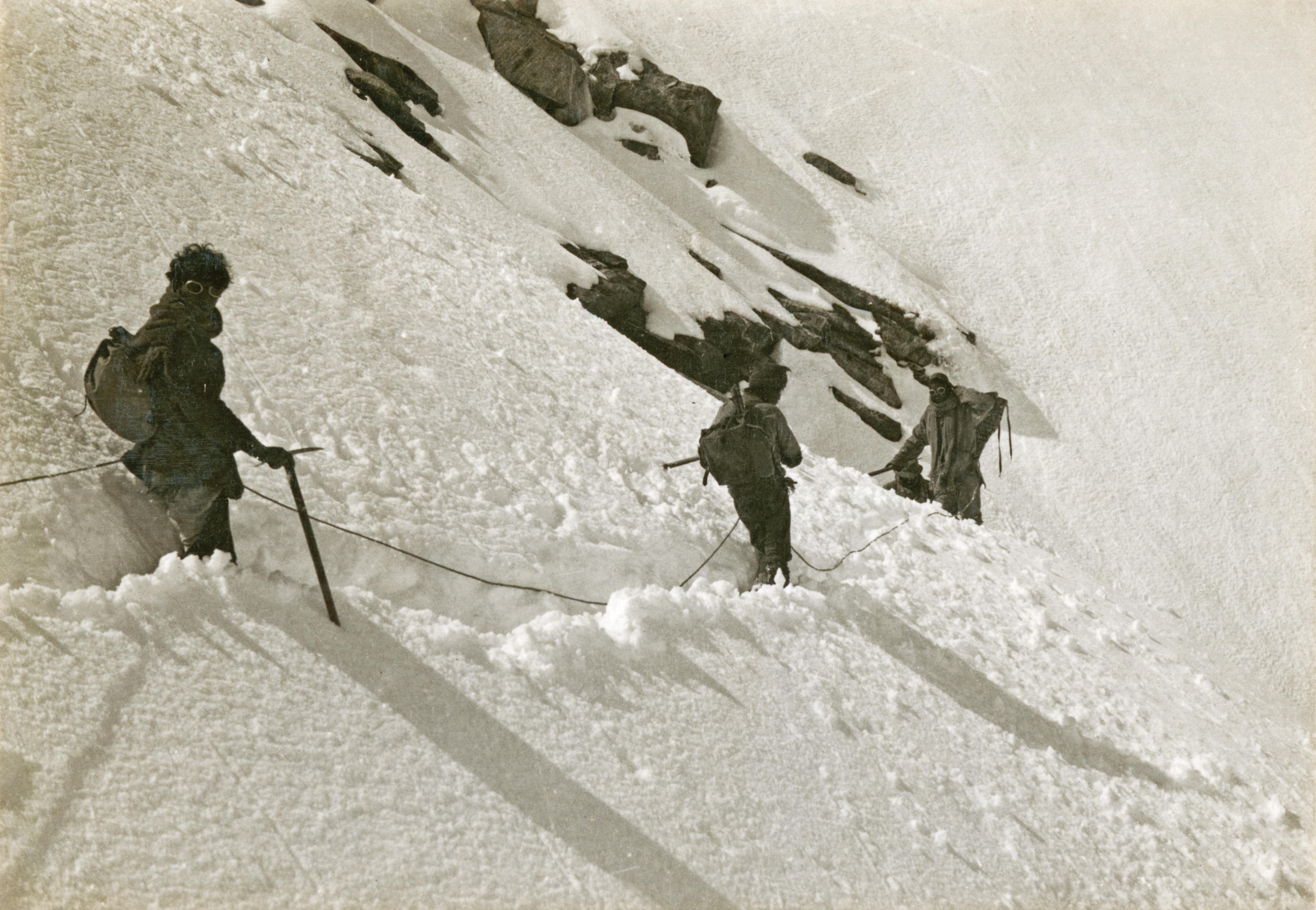Climbers descending from Carpo Ri, Everest, 1921
