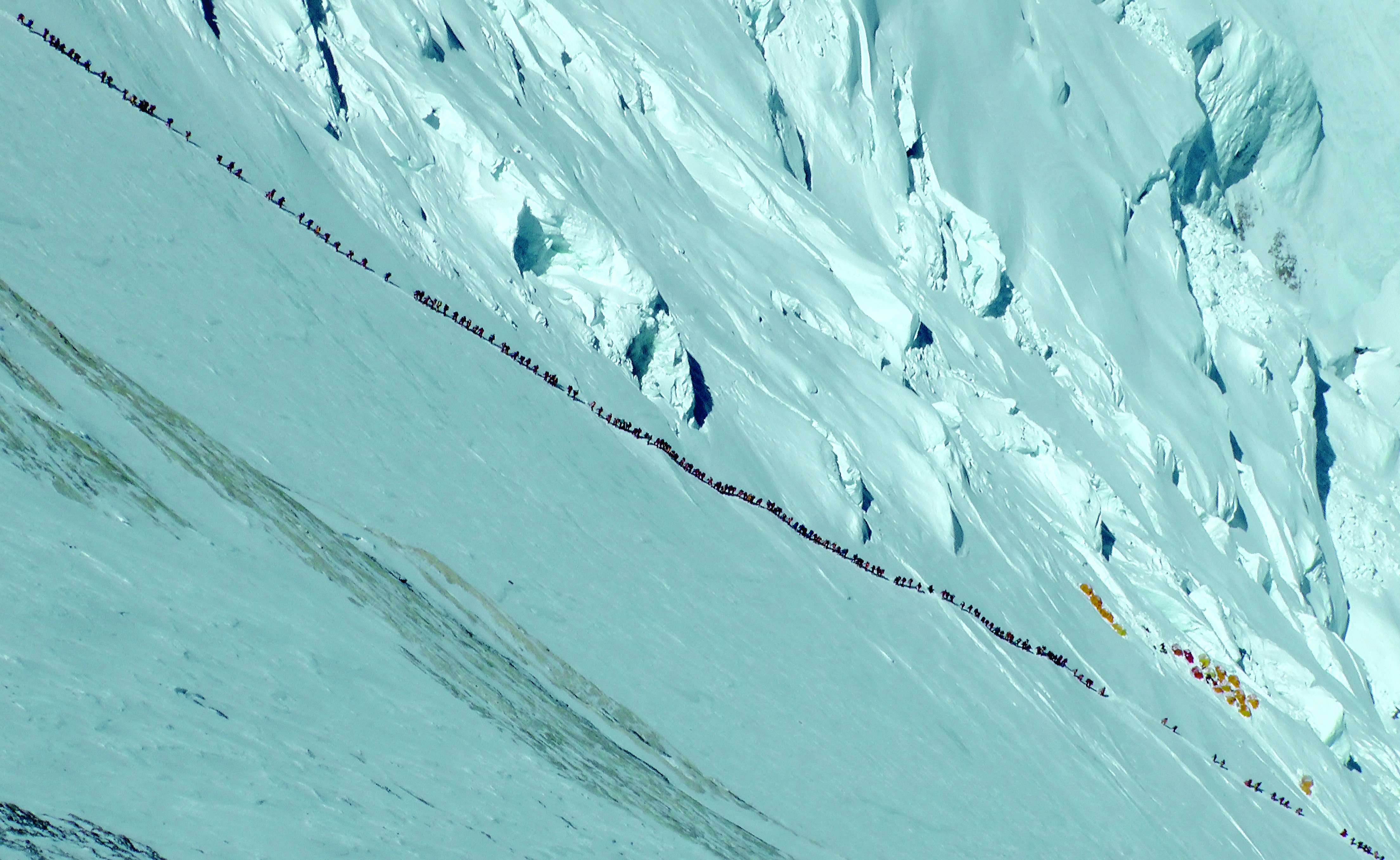 long lines of people on mountain