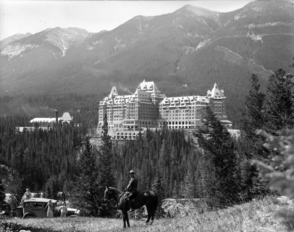 11 Historic Photos Of Early Tourism In Banff National Park