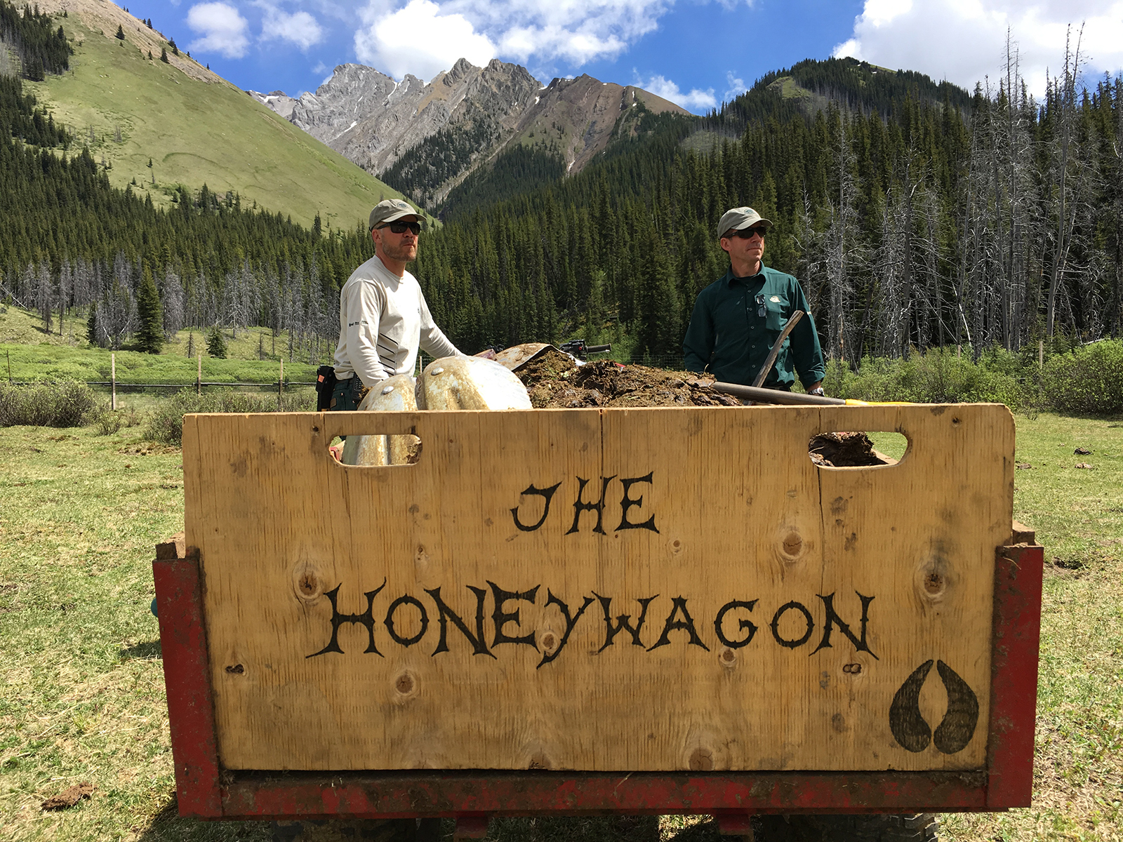 Karsten Heuer Geoff Skinner with Honeywagon