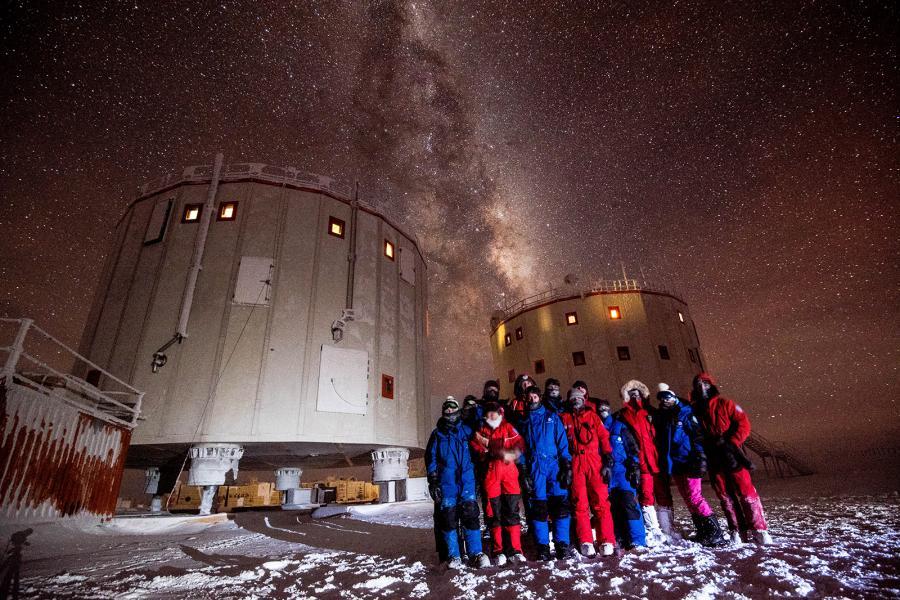 L'équipe de 2014-2015 de la base antarctique Concordia