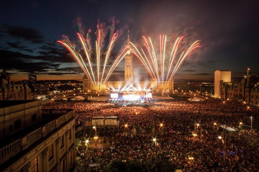 canada day fireworks parliament hill crowds