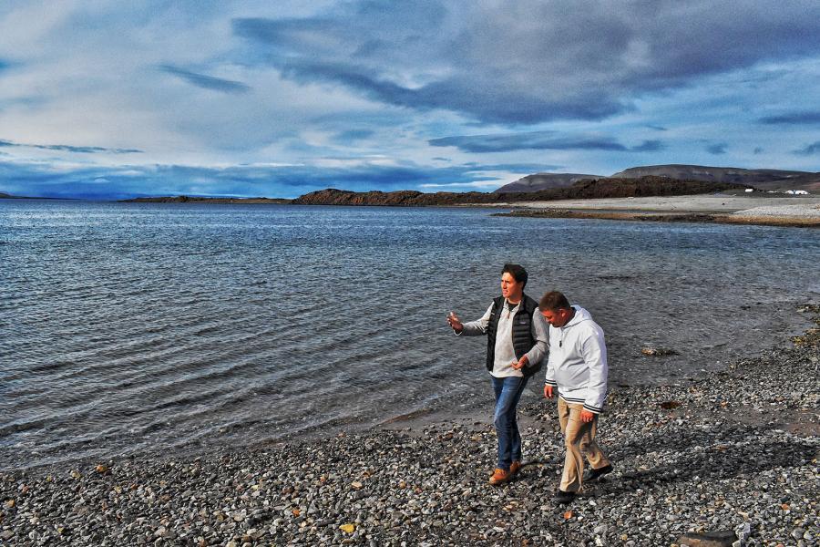 Prime Minister Justin Trudeau and PJ Akeeagok Victor Bay, Nunavut