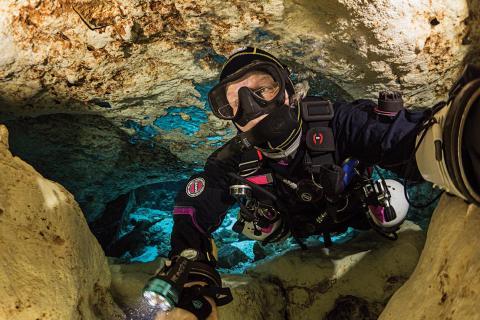 Jill Heinerth cave selfie