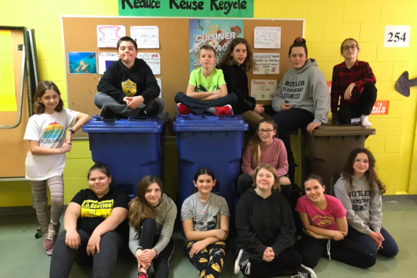 Quebec students teach their school about recycling and composting