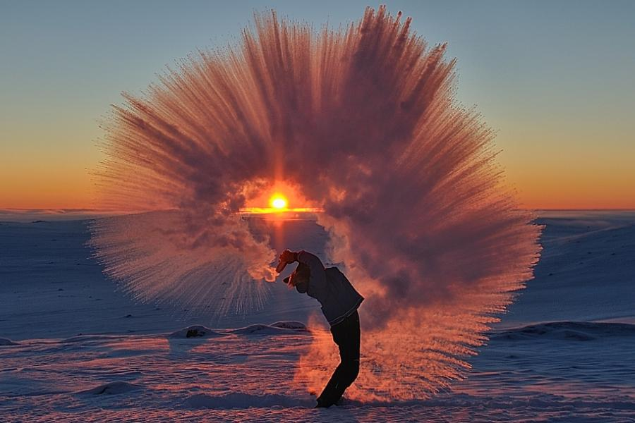 This magical winter shot by a Pangnirtung, NU photographer has gone viral recently.