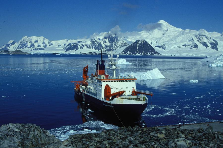 Photo: Hannes Grobe/Alfred Wegener Institute for Polar and Marine Research/Wikimedia Commons