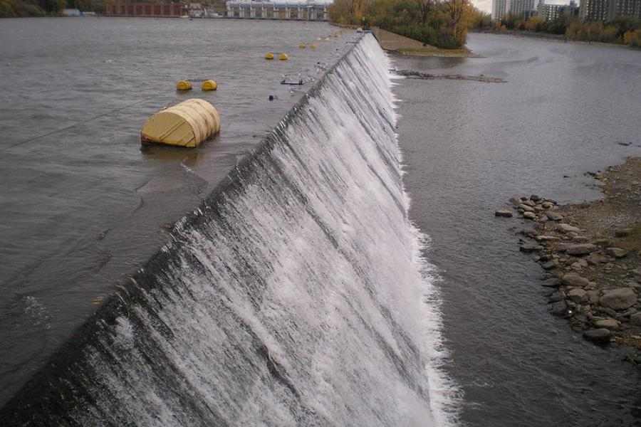 The main spillway for the Hydro-Quebec's Riviere des Prairies dam