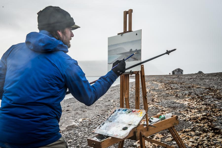 Trépanier paints the historic Port Leopold Hudson Bay Company Trading Post, Somerset Island, Nunuvut