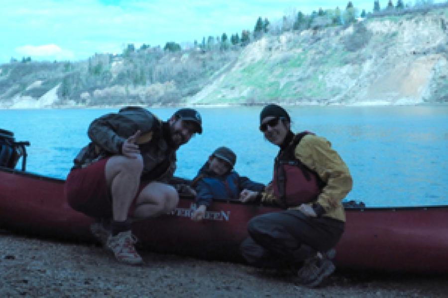 Benoit Gendreau-Berthiaume, Magali Moffatt and their five year old son Mali are paddling across Canada.