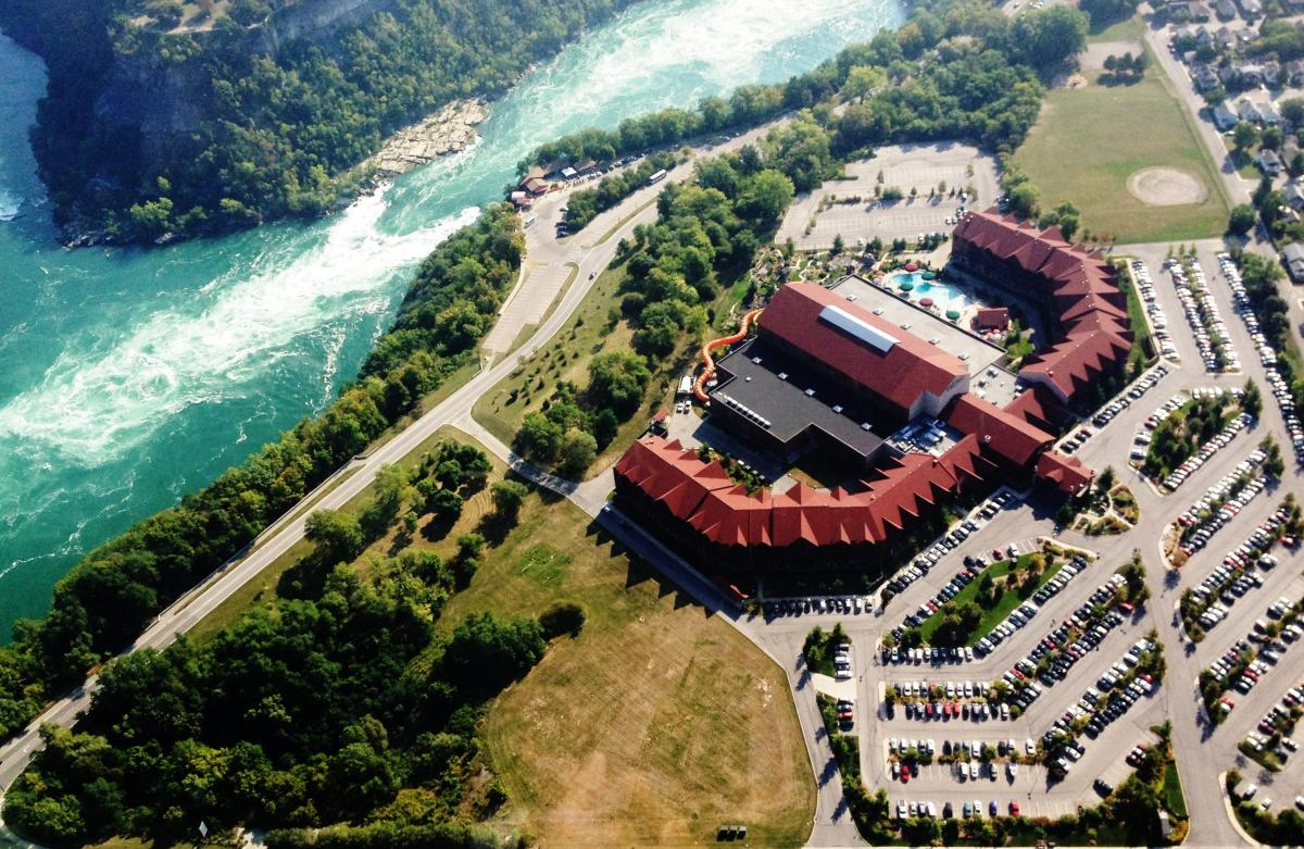 Great Wolf Lodge, Niagara Falls aerial photo