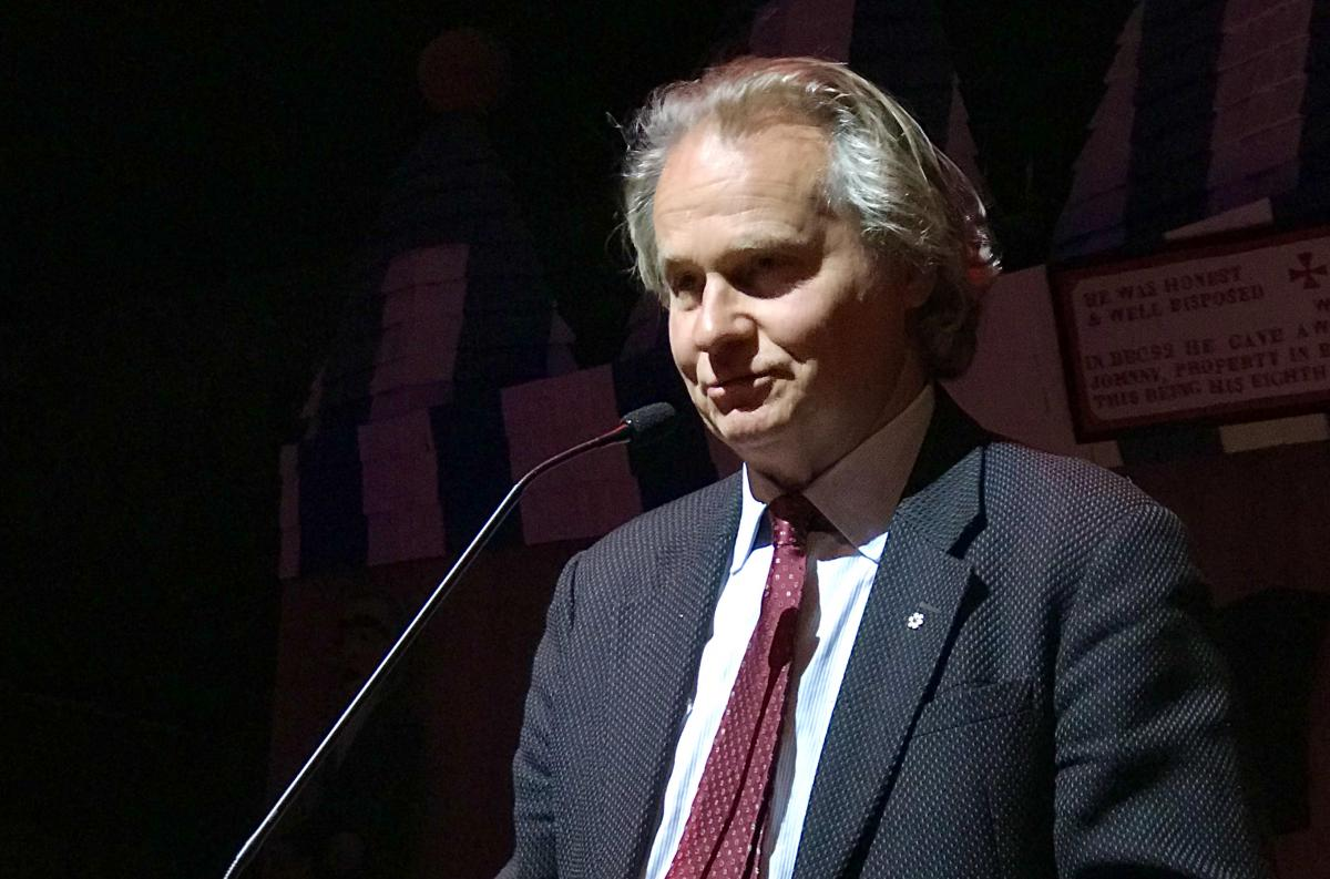 Wade Davis addresses the 2017 Royal Canadian Geographical Society College of Fellows Dinner